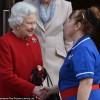 Почему медсестра королевы Елизаветы носит масонскую пряжку