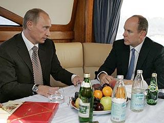 В декабре прошлого года Роберт Эринджер заявил, что князь Монако Альбер II в 2007 году был подкуплен тогдашним президентом России Владимиром Путиным, и потому проголосовал за Сочи как за место проведения зимней Олимпиады