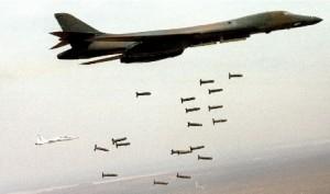 Рис. 11 Американские бомбардировщики выполняют бомбометание