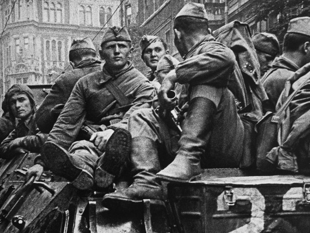вторжение ссср в чехословакию в 1986 году